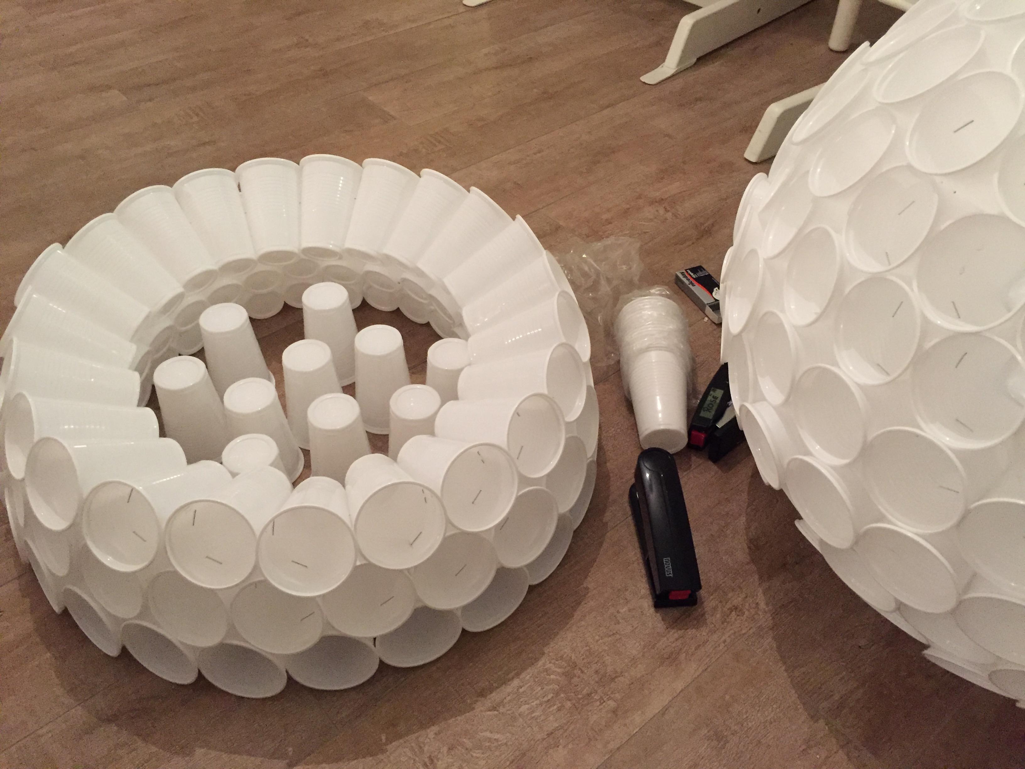 Riesen Plastikbecher