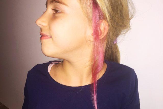 Haarefärben mit Krepp-Papier